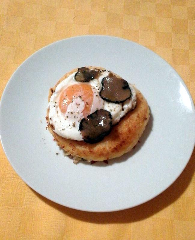 hamburgher di patata con uovo al tartufo